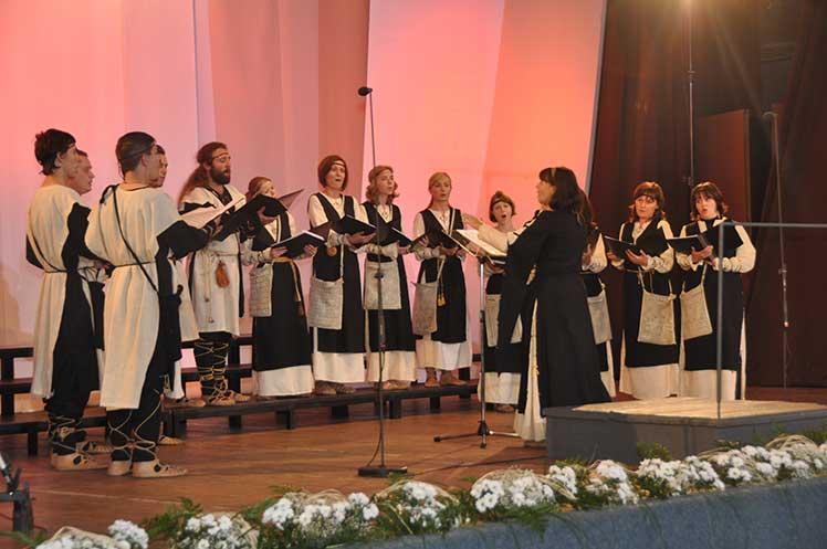 46. Фестивал,Натпевавање хорова Хор Салутарис, Минск (Белорусија) Диригент: Олга Јанум